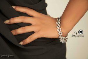 macro photography of gold and precious gems andisheh no 300x200 - عکاسی شیک ترین مدل های سرویس طلا و جواهرات