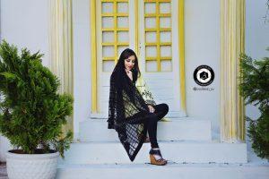 scarf photographer modeling garden atelier fashion hijab clothing feminine andisheh no 21 300x200 - scarf photographer modeling garden Atelier fashion Hijab Clothing feminine andisheh no (21)