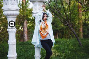 scarf photographer modeling garden atelier fashion hijab clothing feminine andisheh no 36 300x200 - scarf photographer modeling garden Atelier fashion Hijab Clothing feminine andisheh no (36)