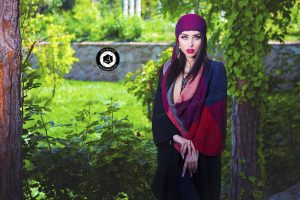 scarf photographer modeling garden atelier fashion hijab clothing feminine andisheh no 7 300x200 - scarf photographer modeling garden Atelier fashion Hijab Clothing feminine andisheh no (7)
