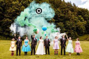 colorful smoke in the wedding photo 6 300x200 - خرید لباس عروس انتخاب آتلیه عکاسی و آرایشگاه عروس