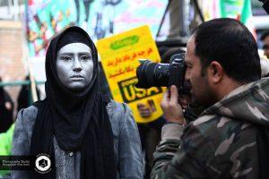 13 march 13 in tehran street photography officer photograph 39 300x200 - راهپیمایی ۱۳ آبان در تهران عکس خبری - عکاسی خیابانی - آفیش عکاس سفارت آمریکا - March 13 in Tehran Street photography Officer photograph (39)