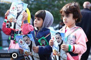 13 march 13 in tehran street photography officer photograph 96 300x200 - راهپیمایی ۱۳ آبان در تهران عکس خبری - عکاسی خیابانی - آفیش عکاس سفارت آمریکا - March 13 in Tehran Street photography Officer photograph (96)