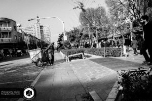 social and street documentary photography 11 300x200 - Social and Street Documentary Photography عکاسی مستند اجتماعی و خیابانی - نیما نصیری نائینی - عکاسی خبری - مشاغل - دست فروش - فقر - فشار اقتصادی - بازار تجریش - باز (۱۱)