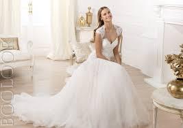 images 12 - نکات مهم در انتخاب لباس عروس